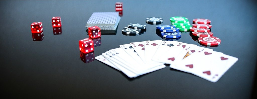 http://salems13ghosts.com/how-to-choose-the-right-online-poker-room/ - cover