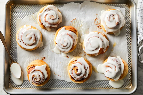 How to make cinnamon rolls that stay pillowy-soft for days