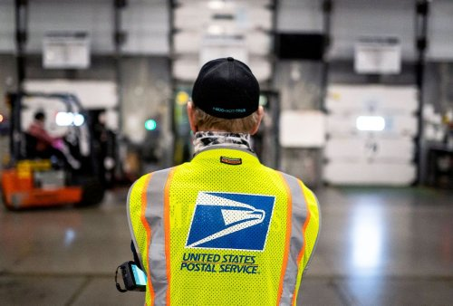 """Democrats sue USPS over """"egregious"""" delays that threaten to impact Virginia's race for governor"""