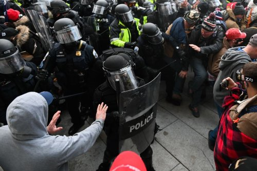 Capitol cop charged for helping Jan. 6 rioter hide evidence