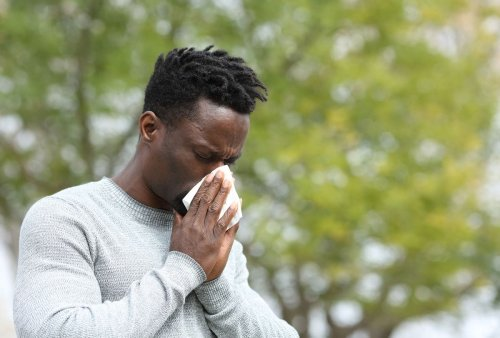 You're vaccinated. You've got the sniffles. Is it a cold, allergies or a breakthrough case?