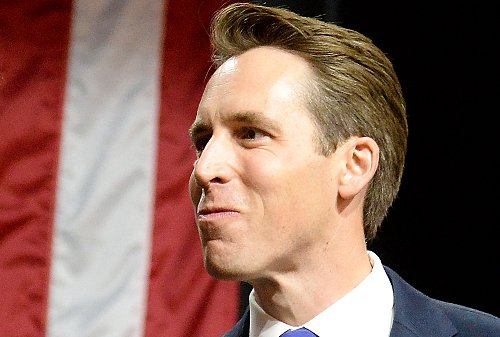Josh Hawley's past support for Iraq War surfaces as he rails against Biden Cabinet on foreign wars