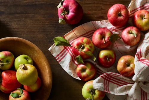 The surefire way to store apples for months