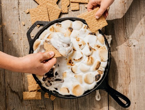 This gooey skillet s'mores dip couldn't be simpler