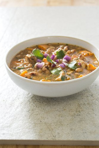 For a slow-cooker chili that's out of the ordinary, pair sweet potatoes with black-eyed peas
