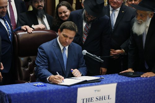 DeSantis signs bill requiring Florida students, professors to register political views with state