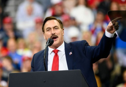 """Mike Lindell says he's pulling MyPillow ads from Fox News after they ignored his """"cyber symposium"""""""