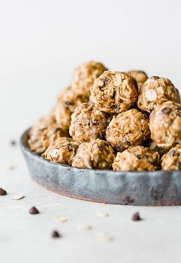 No-Bake Energy Bites (63 calories!)