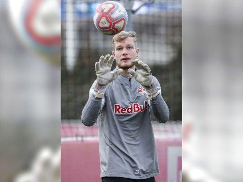 Bullen-Keeper Mantl vor Profi-Debüt