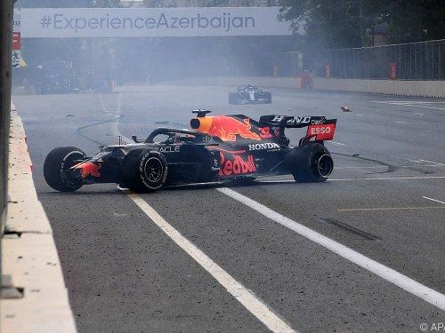Perez nutzt Verstappen-Reifenplatzer zum Sieg