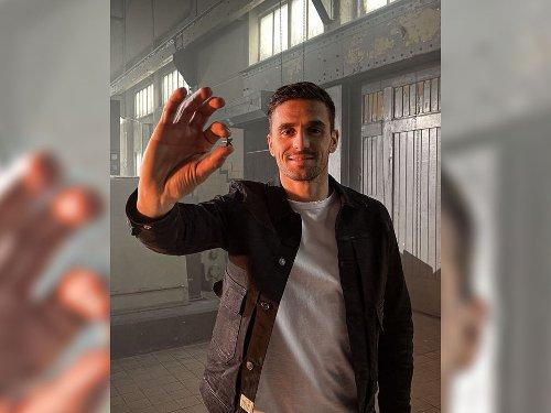 Ajax Amsterdam schmelzt Meisterschale ein