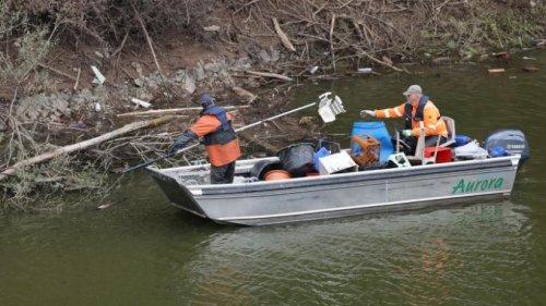 Nach der Flutkatastrophe: Wasserproben aus Talsperren