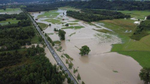 Hochwasser: Neue Unwetter ++ Sturzfluten in Bayern