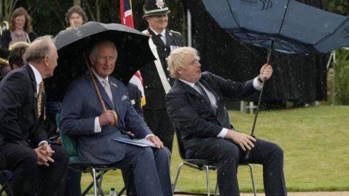 Prinz Charles enthüllt Denkmal für Polizisten