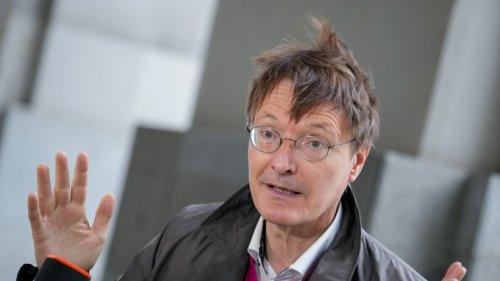 """Corona: Zahlen steigen rasant – was Lauterbach nun für """"unbedingt nötigt"""" hält"""