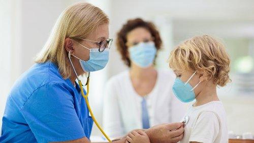 Corona: Kinderärzte warnen deutlich ++ RKI meldet Zahlen verzögert