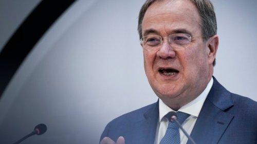 Bundestagswahl News: Union holt auf ++ SPD-Vize Kühnert droht mit Rücktritt