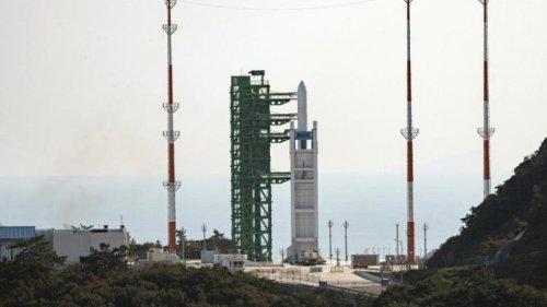 Südkorea startet erste selbstgebaute Weltraumrakete