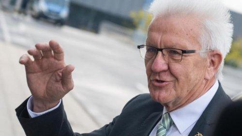 Kretschmann: Kirchensteuer bleibt erhalten