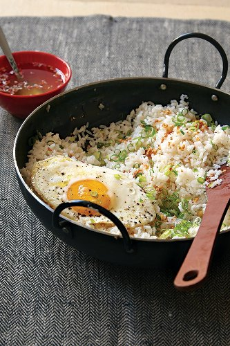 Garlic Fried Rice with Vinegar Sauce