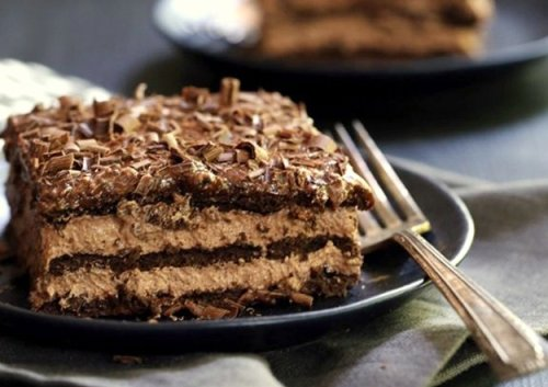 Dark Chocolate Eclair Cake