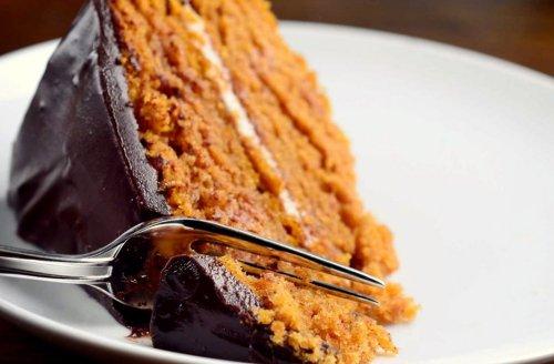 Pumpkin Fantasy Cake (with Cream Filling and Chocolate Ganache)
