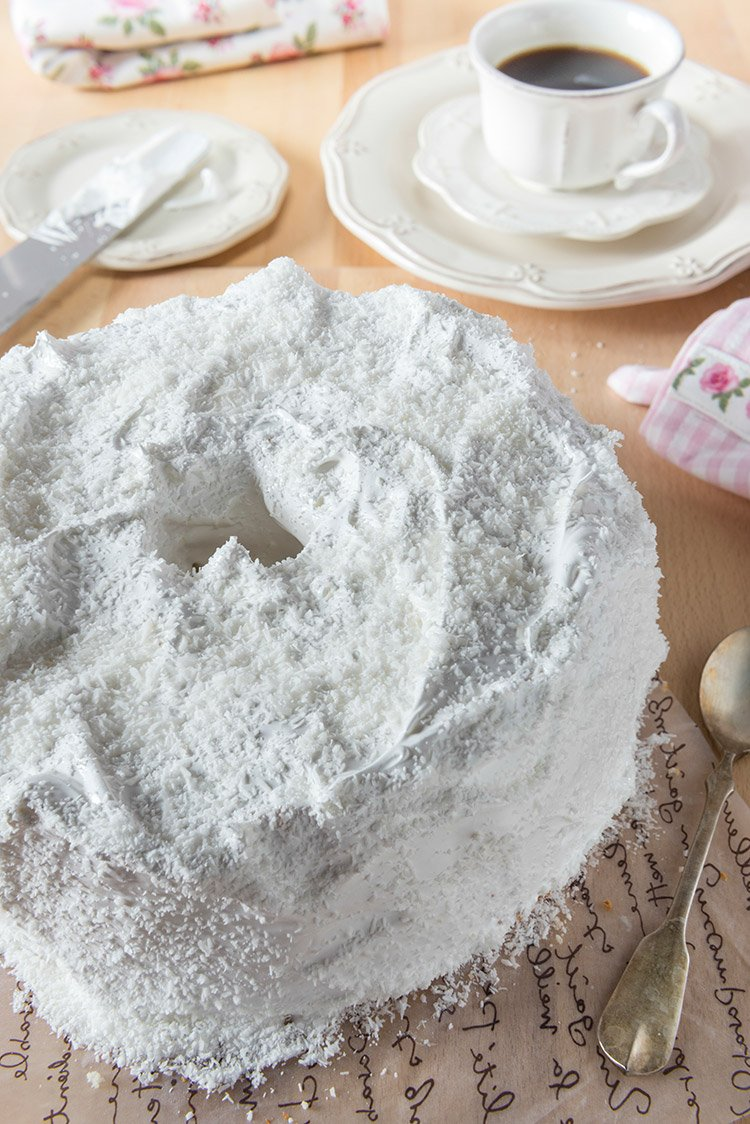 Heavenly Angel Food Cake with Simple Frosting Recipe