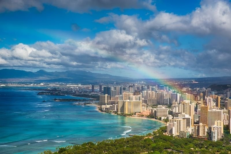 how to spend your summer in hawaii - cover