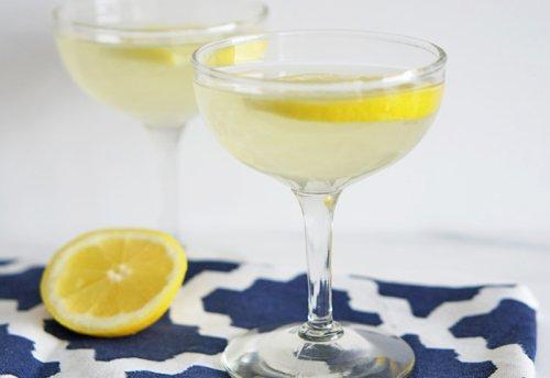 Lemony Bees Knees Cocktail