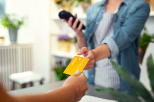 5 Best Store Credit Cards in Canada 2021