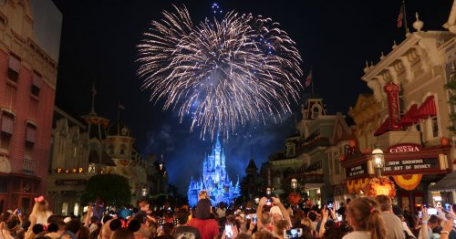 Fireworks Are Returning To Disney Parks & The Internet Is Thrilled