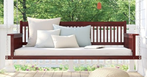 Outdoor Swing Beds That Make Your Backyard Feel Like A Relaxation Oasis