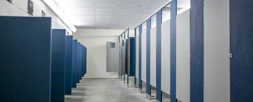 Disgusting Study Shows What Happens in The Air When You Flush a Public Toilet
