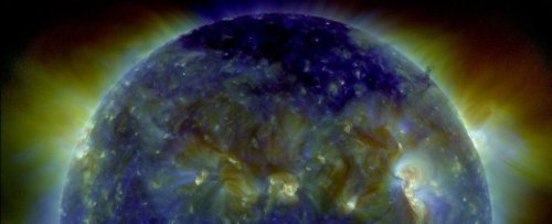 Official Sources Warn a Geomagnetic Storm Is Imminent, So Get Ready For Auroras