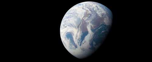 These Glorious Snapshots of Earth From The Juno Probe Will Melt Your Heart