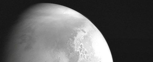 China's Mars Orbiter Is About to Attempt a Risky Landing on The Red Planet