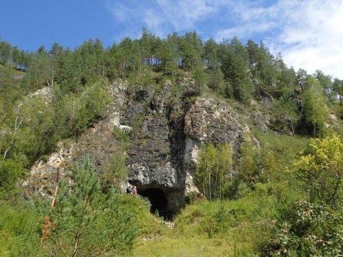 Cette grotte dans laquelle l'Homme de Denisova et Neandertal auraient cohabité