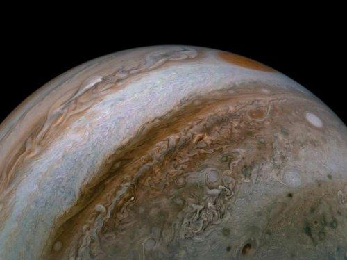 La sonde JUNO livre des détails sur l'atmosphère de Jupiter - Sciences et Avenir
