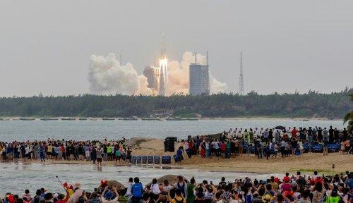 Une partie de la fusée chinoise s'est désintégrée au-dessus de l'océan indien (agence spaciale)