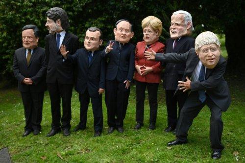 Masques et cortège rouge: des milliers de manifestants exhortent le G7 à agir pour le climat