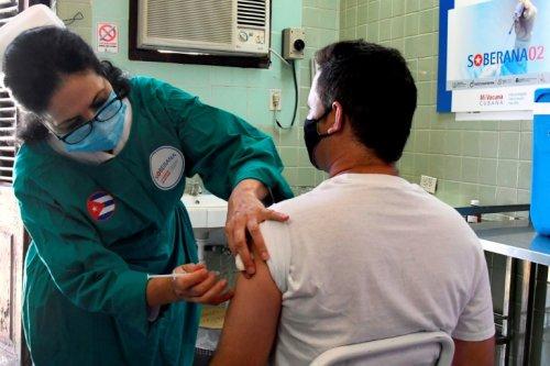 Cuba va commencer à vacciner avec ses propres vaccins