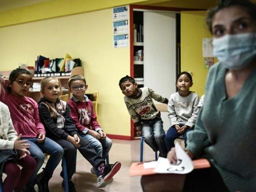 Fin du masque à l'école primaire dans 12 départements supplémentaires - Sciences et Avenir