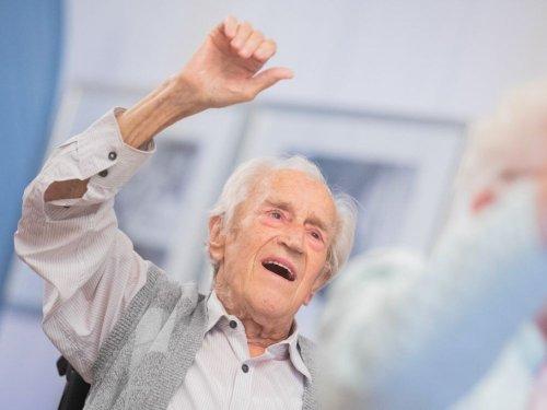 Centenaires : le secret de leur longévité pourrait se trouver dans leurs intestins