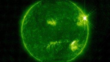 Powerful X-class Solar Flare Erupts From Sun