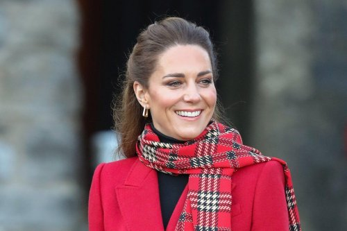 Kate promises to turn up in pink dress for Scots youngster Mila Sneddon