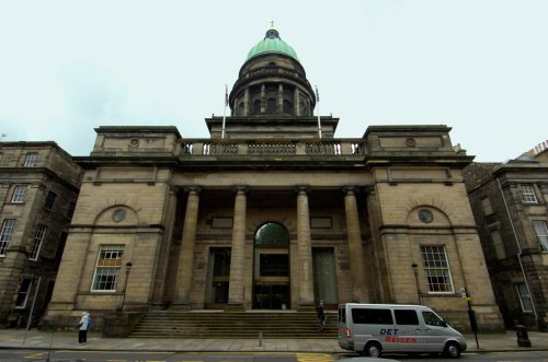 Metal railings to be installed to 'deter rough sleepers' at West Register House on Charlotte Square
