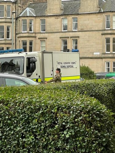 Incident on Edinburgh street as bomb squad in attendance on Edinburgh street and locals ordered 'to stay in their homes'