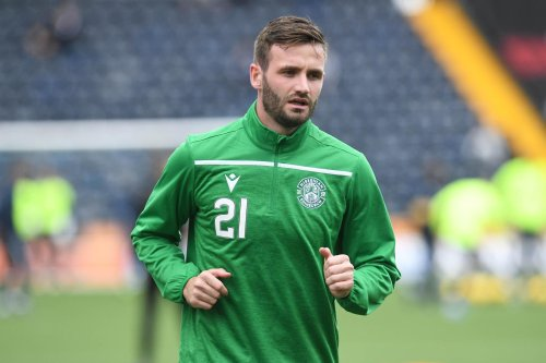 Former Hibs favourite makes surprise Championship move