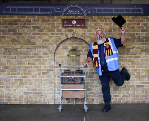 Iconic Harry Potter trolley installed at Edinburgh Waverley - but fans will need to be quick to see it