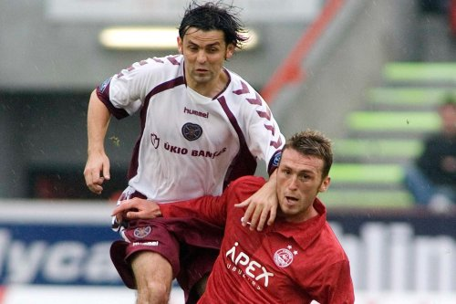 Former Hearts team mates in spat after top-of-the-table clash in League One